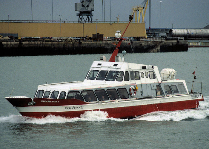 Shearwater 6 pictured arriving at Southampton on 21st January 1998