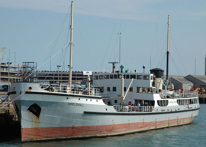 Shieldhall pictured in Southampton on 22nd April 2006