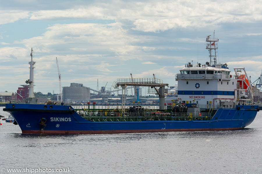 Sikinos pictured passing North Shields on 1st July 2017