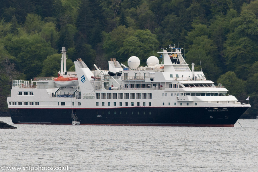 Silver Explorer pictured at Tobermory on 15th May 2016