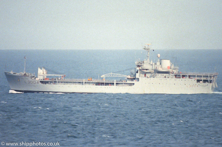 Sir Bedivere pictured approaching Portland Harbour on 27th July 1989