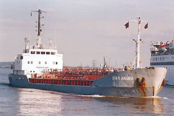 Star Aruba pictured passing Gravesend on 1st September 2001