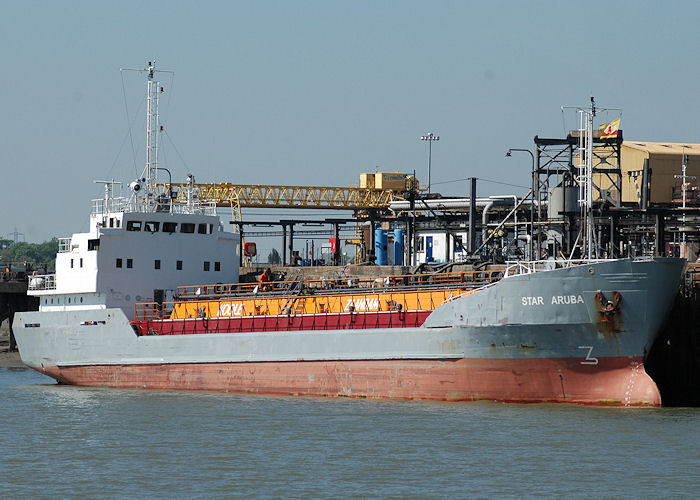 Star Aruba pictured at Purfleet on 22nd May 2010