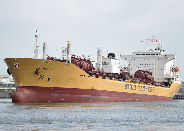 Stolt Topaz pictured arriving in Chemiehaven, Botlek, Rotterdam on 26th June 2011