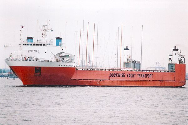 Super Servant 3 pictured departing Southampton on 29th August 2001