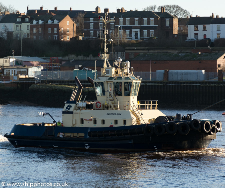 Svitzer Sun pictured at North Shields on 28th December 2015