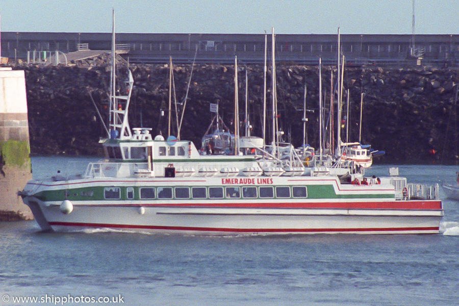 Trident 3 pictured arriving in St. Helier on 22nd August 1989