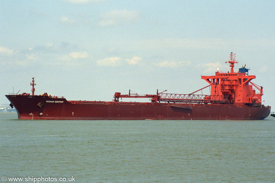 Yeoman Bontrup pictured approaching Thamesport on 16th August 2003